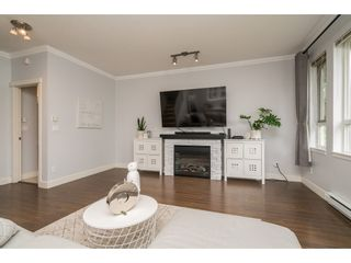 """Photo 9: #101 7088 191 Street in Surrey: Clayton Townhouse for sale in """"Montana"""" (Cloverdale)  : MLS®# R2455841"""