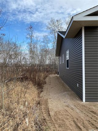Photo 2: 805 Potter Place in Good Spirit Lake: Residential for sale : MLS®# SK854961
