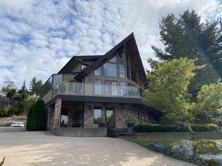 "Photo 2: 1035 GLACIER VIEW Drive in Squamish: Garibaldi Highlands House for sale in ""Garibaldi Highlands"" : MLS®# R2500032"