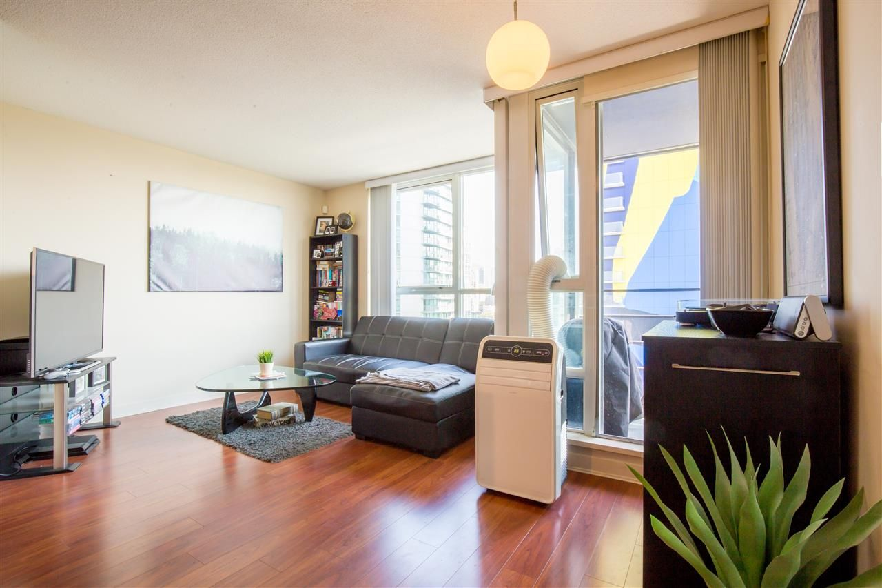 "Photo 5: Photos: 2507 1438 RICHARDS Street in Vancouver: Yaletown Condo for sale in ""AZURA ONE"" (Vancouver West)  : MLS®# R2394996"