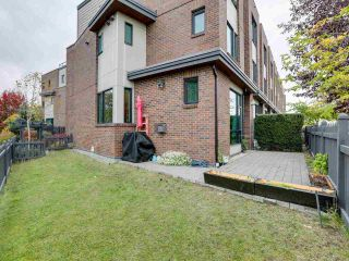 "Photo 17: 30 230 SALTER Street in New Westminster: Queensborough Townhouse for sale in ""FLOW"" : MLS®# R2413057"