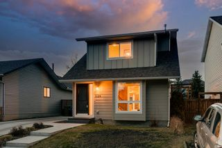 Photo 3: 1024 Woodview Crescent SW in Calgary: Woodlands Detached for sale : MLS®# A1091438