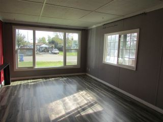 "Photo 7: 8604 77 Street in Fort St. John: Fort St. John - City SE Manufactured Home for sale in ""AENNOFIELD"" (Fort St. John (Zone 60))  : MLS®# R2319753"