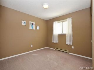 Photo 13: 1287 Lidgate Crt in VICTORIA: SW Strawberry Vale House for sale (Saanich West)  : MLS®# 740676