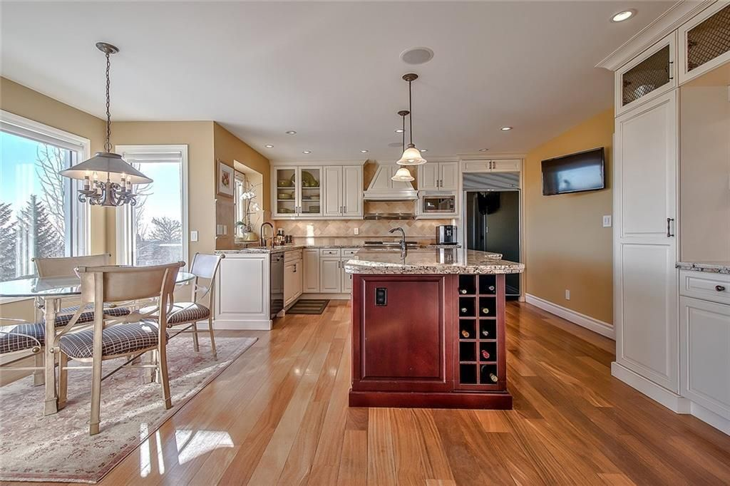 Photo 12: Photos: 153 SIGNATURE Close SW in Calgary: Signal Hill Detached for sale : MLS®# C4283177