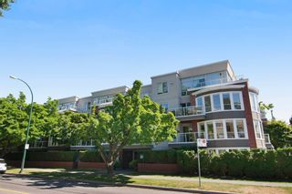 """Photo 1: 403 2288 W 12TH Avenue in Vancouver: Kitsilano Condo for sale in """"CONNAUGHT POINT"""" (Vancouver West)  : MLS®# V1077930"""