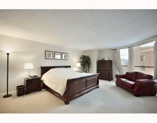 """Photo 6: 1107 1450 PENNYFARTHING Drive in Vancouver: False Creek Condo for sale in """"HARBOUR COVE"""" (Vancouver West)  : MLS®# V810158"""