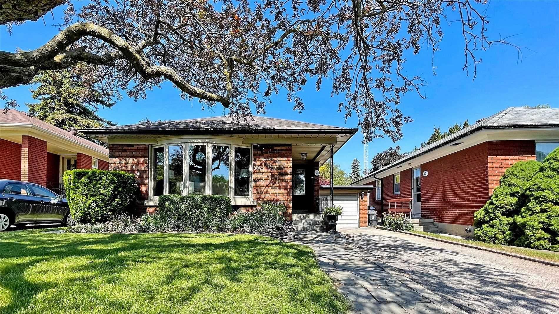 Main Photo: 48 Ferncroft Drive in Toronto: Birchcliffe-Cliffside House (Bungalow) for sale (Toronto E06)  : MLS®# E5257593