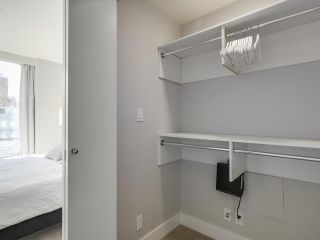 """Photo 17: 2506 1111 ALBERNI Street in Vancouver: West End VW Condo for sale in """"SHANGRI-LA"""" (Vancouver West)  : MLS®# R2525593"""