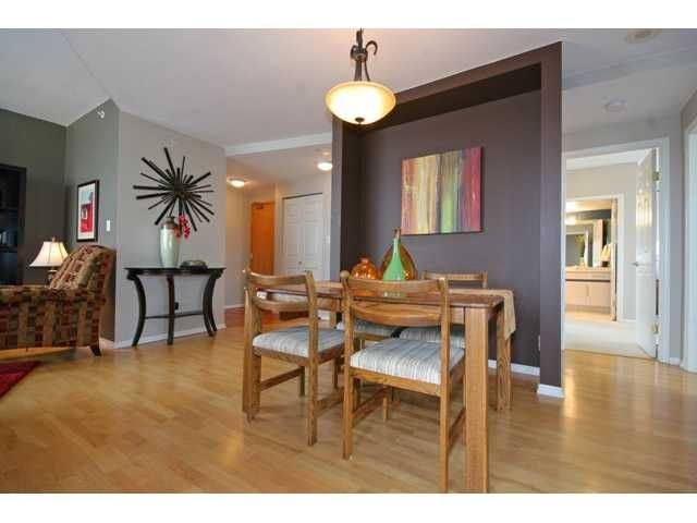 """Photo 3: Photos: 900 328 CLARKSON Street in New Westminster: Downtown NW Condo for sale in """"HIGHBOURNE TOWER"""" : MLS®# V949402"""