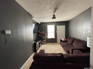 Photo 5: 938 Hochelaga Street West in Moose Jaw: Central MJ Residential for sale : MLS®# SK851165