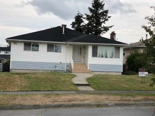 Main Photo: 2407 E 53RD Avenue in Vancouver: Killarney VE House for sale (Vancouver East)  : MLS®# R2303631