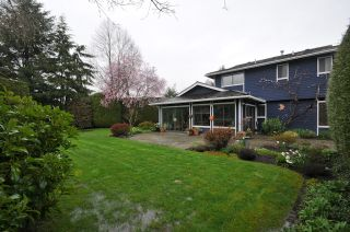 """Photo 2: 10351 HOGARTH Place in Richmond: Woodwards House for sale in """"WOODWARDS"""" : MLS®# V881151"""