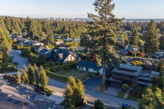 Photo 33: 965 BEAUMONT Drive in North Vancouver: Edgemont House for sale : MLS®# R2624946