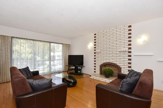 "Photo 2: 126 E 18TH Avenue in Vancouver: Main House for sale in ""MAIN"" (Vancouver East)  : MLS®# V1143362"