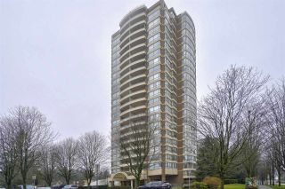 Photo 1: 905 5885 OLIVE AVENUE in Burnaby: Metrotown Condo for sale (Burnaby South)  : MLS®# R2428236