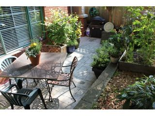 """Photo 7: 106 929 W 16TH Avenue in Vancouver: Fairview VW Condo for sale in """"OAKVIEW GARDENS"""" (Vancouver West)  : MLS®# V978752"""