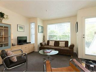"""Photo 2: # 6 877 W 7TH AV in Vancouver: Fairview VW Townhouse for sale in """"EMERALD COURT"""" (Vancouver West)  : MLS®# V1028020"""