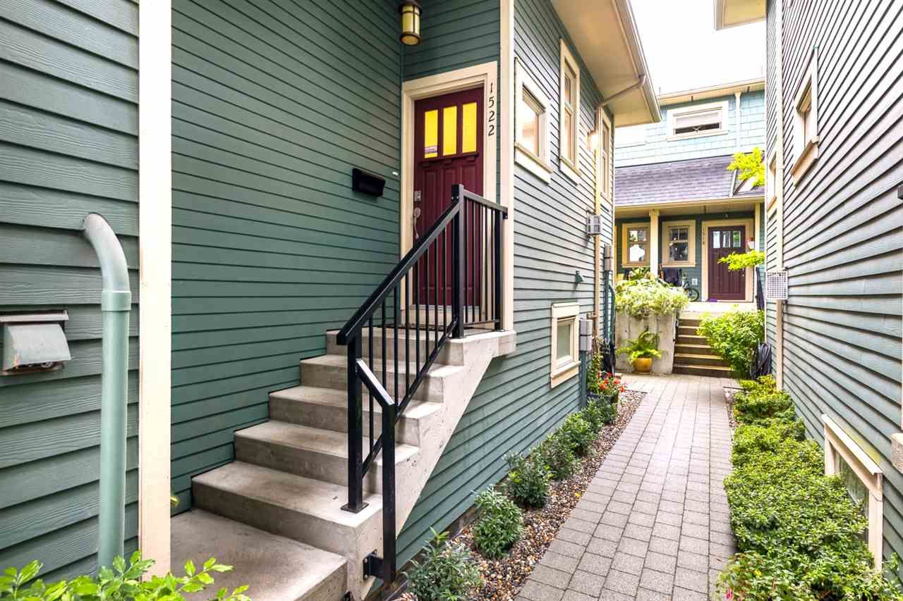 Photo 10: Photos: 1522 GRAVELEY STREET in Vancouver: Grandview Woodland Townhouse for sale (Vancouver East)  : MLS®# R2407954