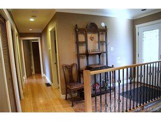Photo 8: 5010 Santa Clara Ave in VICTORIA: SE Cordova Bay House for sale (Saanich East)  : MLS®# 683806