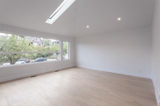 Photo 2: 2026 CHARLES Street in Vancouver: Grandview VE House for sale (Vancouver East)  : MLS®# R2103158