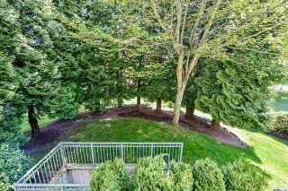 """Photo 32: 203 1705 MARTIN Drive in Surrey: Sunnyside Park Surrey Condo for sale in """"Southwynd"""" (South Surrey White Rock)  : MLS®# R2576884"""