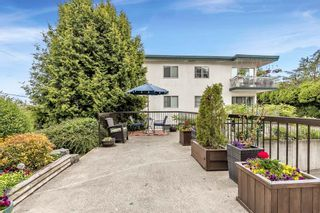 """Photo 32: 105 1379 MERKLIN Street: White Rock Condo for sale in """"THE ROSEWOOD"""" (South Surrey White Rock)  : MLS®# R2590545"""