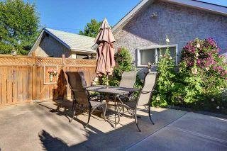 Photo 19: 634 10 Avenue NE in CALGARY: Renfrew_Regal Terrace Residential Detached Single Family for sale (Calgary)  : MLS®# C3582320