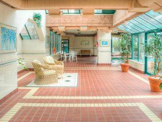 """Photo 3: 403 11910 80TH Avenue in Delta: Scottsdale Condo for sale in """"Chancellor Place II"""" (N. Delta)  : MLS®# R2580778"""