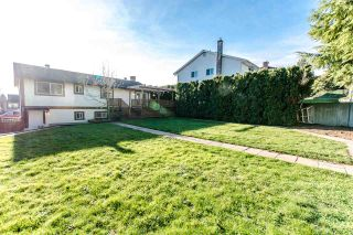 """Photo 2: 34747 CHANTRELL Place in Abbotsford: Abbotsford East House for sale in """"McMillan"""" : MLS®# R2228150"""