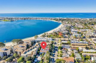 Photo 4: PACIFIC BEACH Condo for sale : 2 bedrooms : 1361 La Palma St in San Diego