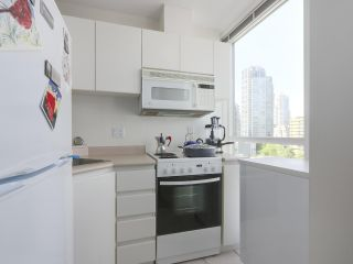 Photo 7: 802 1188 Richards St in Vancouver: Yaletown Condo for sale (Vancouver West)  : MLS®# R2370463