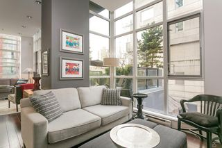 "Photo 3: 403 1199 SEYMOUR Street in Vancouver: Downtown VW Condo for sale in ""BRAVA"" (Vancouver West)  : MLS®# R2231945"