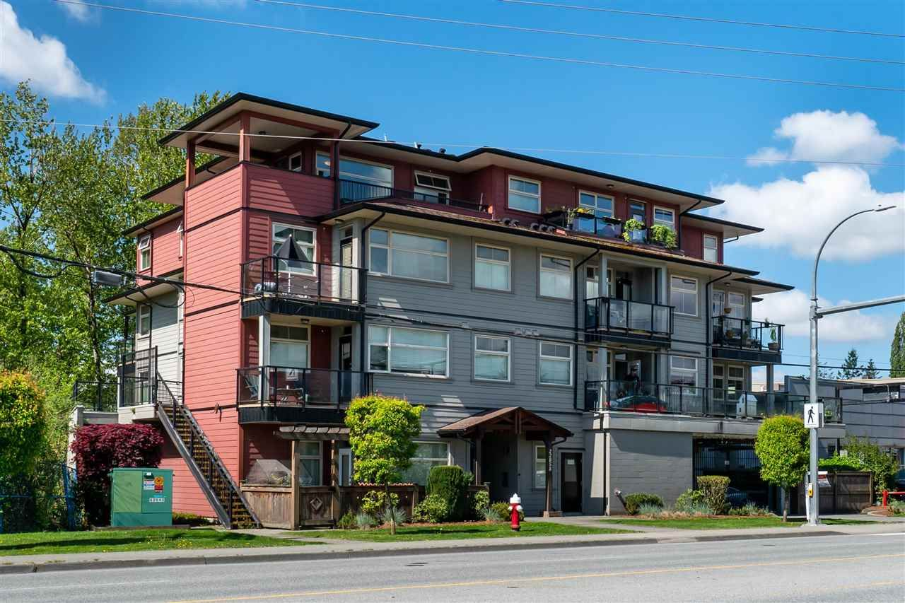 Main Photo: 401 22858 LOUGHEED HIGHWAY in Maple Ridge: East Central Condo for sale : MLS®# R2578938