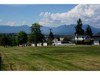 Photo 2: 3549 WORTHINGTON DR in Vancouver: Renfrew Heights House for sale (Vancouver East)  : MLS®# V1124604
