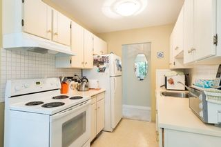 Photo 10: 302 1721 ST. GEORGES AVENUE in North Vancouver: Home for sale : MLS®# R2108093