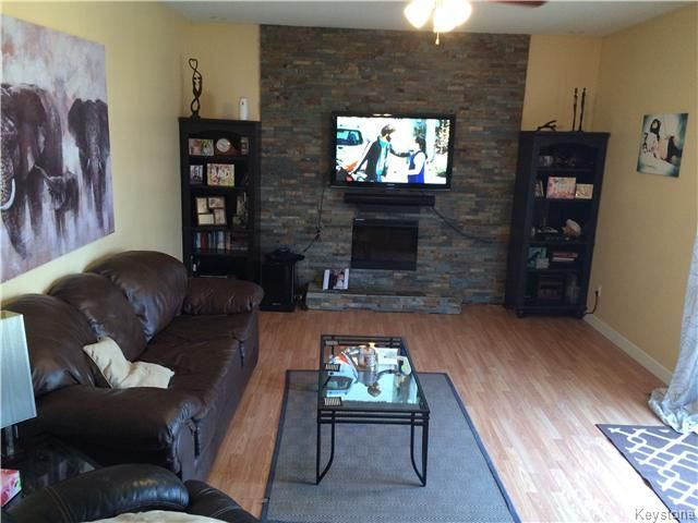 Photo 3: Photos: 23 Scotswood Drive in Winnipeg: Residential for sale : MLS®# 1608645