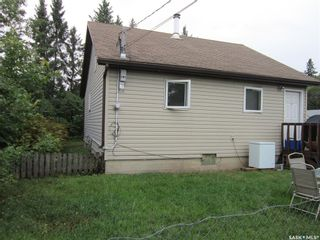 Photo 2: 101 6th Avenue East in Nipawin: Residential for sale : MLS®# SK867859
