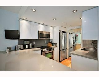 "Photo 4: B104 1331 HOMER Street in Vancouver: Downtown VW Condo for sale in ""PACIFIC POINT"" (Vancouver West)  : MLS®# V802333"