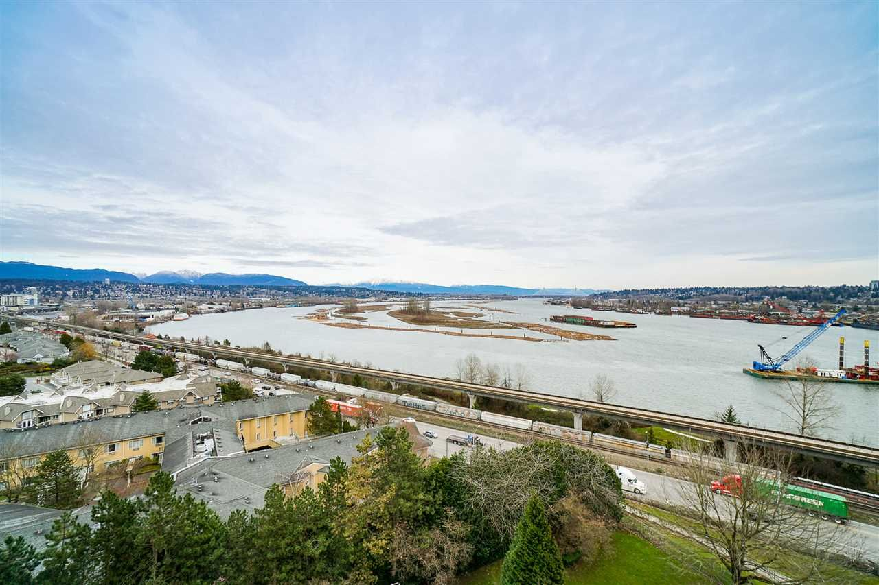 "Main Photo: 1102 69 JAMIESON Court in New Westminster: Fraserview NW Condo for sale in ""Palace Quay"" : MLS®# R2539560"