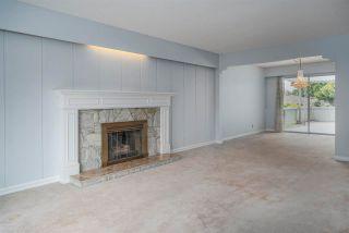 """Photo 6: 4437 ATLEE Avenue in Burnaby: Deer Lake Place House for sale in """"DEER LAKE PLACE"""" (Burnaby South)  : MLS®# R2586875"""
