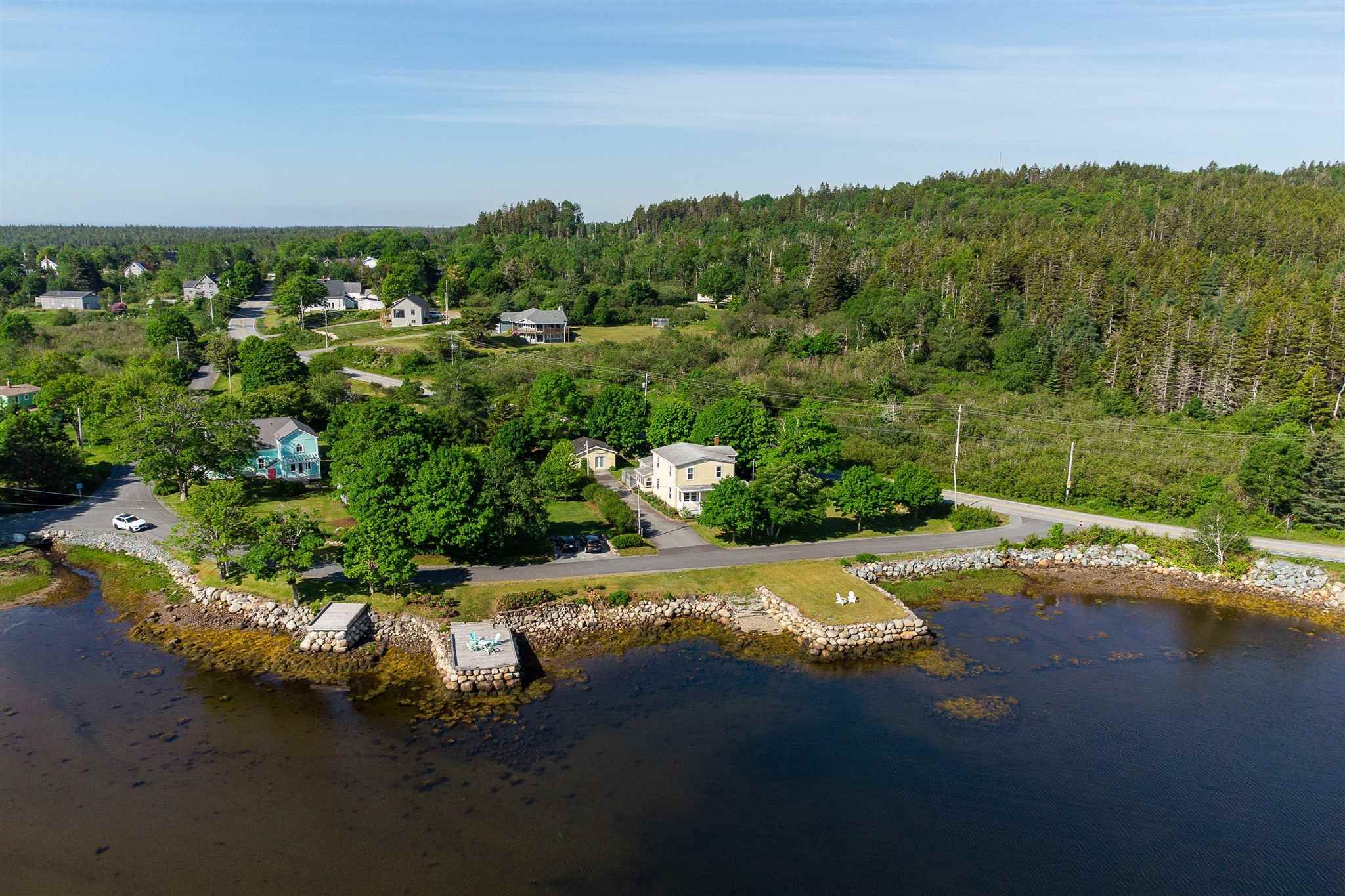 Main Photo: 8 Fort Point Road in Lahave: 405-Lunenburg County Residential for sale (South Shore)  : MLS®# 202115901