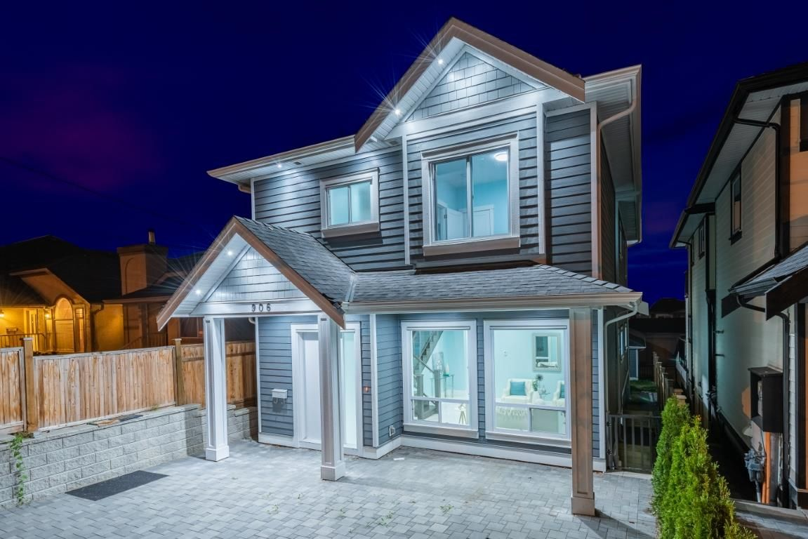 Main Photo: 906 ALDERSON Avenue in Coquitlam: Maillardville House for sale : MLS®# R2403911