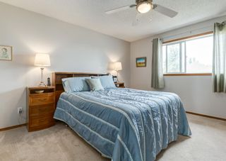 Photo 19: 126 Strathridge Close SW in Calgary: Strathcona Park Detached for sale : MLS®# A1123630