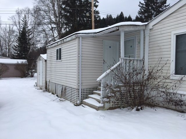 """Photo 13: Photos: 22 654 NORTH FRASER Drive in Quesnel: Quesnel - Town Manufactured Home for sale in """"RIVER WALK MANUFACTURED HOME PARK"""" (Quesnel (Zone 28))  : MLS®# R2533387"""