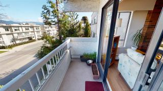 "Photo 2: 213 2450 CORNWALL Avenue in Vancouver: Kitsilano Condo for sale in ""THE OCEANS DOOR"" (Vancouver West)  : MLS®# R2552775"