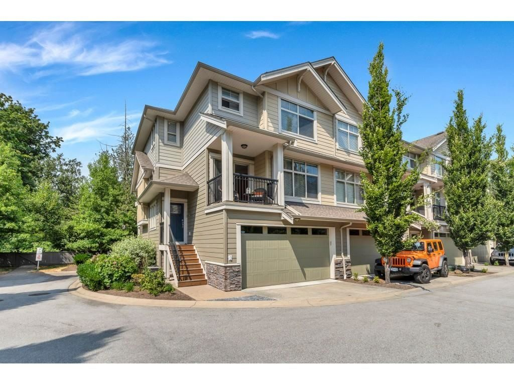 """Main Photo: 18 22225 50 Avenue in Langley: Murrayville Townhouse for sale in """"Murray's Landing"""" : MLS®# R2600882"""