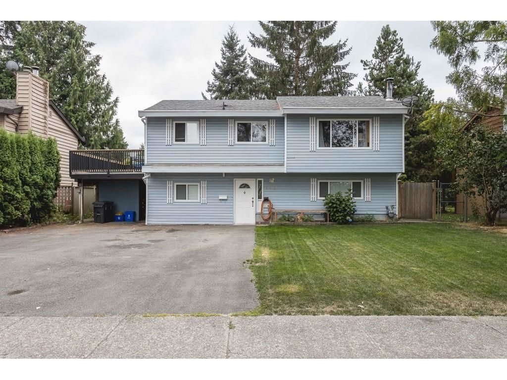 Main Photo: 26522 33 Avenue in Langley: Aldergrove Langley House for sale : MLS®# R2609624
