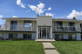 Main Photo: 32 11 Stanton Street: Red Deer Row/Townhouse for sale : MLS®# A1105278