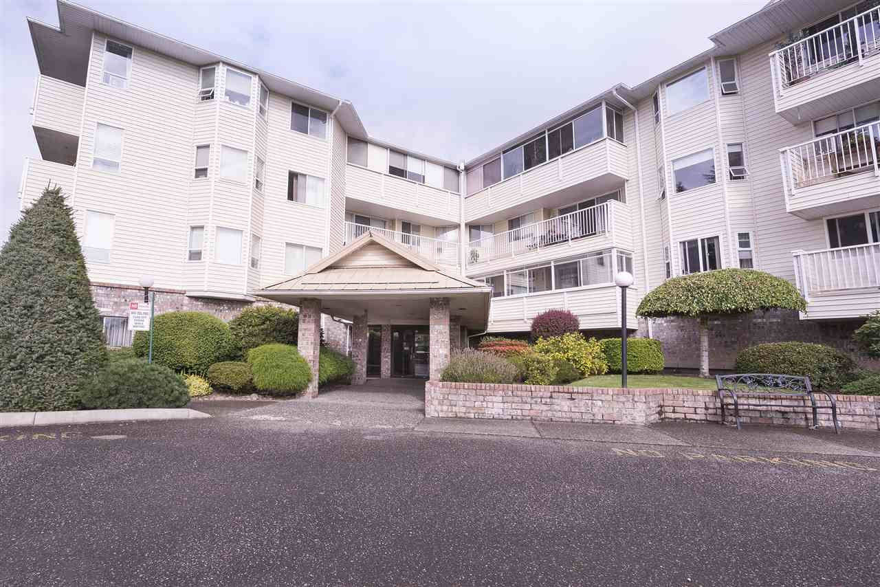 """Main Photo: 108 8725 ELM Drive in Chilliwack: Chilliwack E Young-Yale Condo for sale in """"ELMWOOD TERRACE"""" : MLS®# R2490695"""